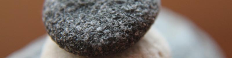 steine-b01-800x200